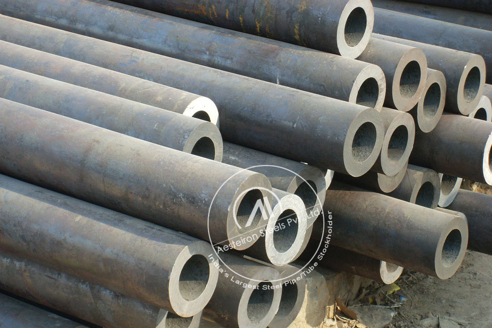 ASTM A335 P5 Alloy Steel Pipe in Aesteiron Steel Stockyard