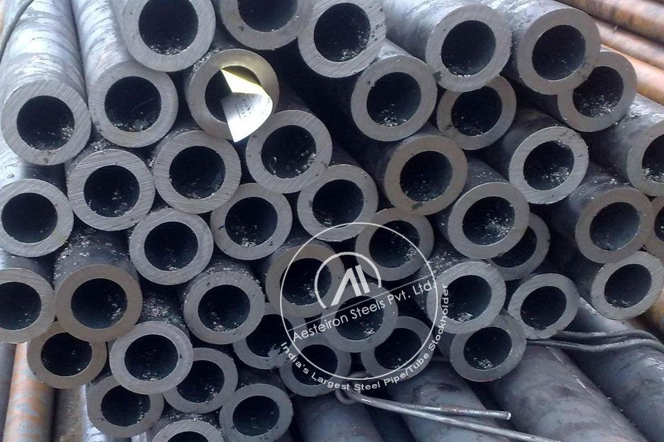 ASTM A691 1 1/4CR Alloy Steel Welded Pipe in Aesteiron Steel Stockyard