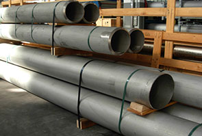 ASTM A312 ASME SA312 202 Stainless Steel Seamless Pipe packed in Aesteiron Steel's stockyard